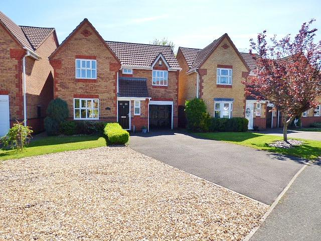 27 Shorwell Close, Great Sankey, Warrington, WA5  3JY