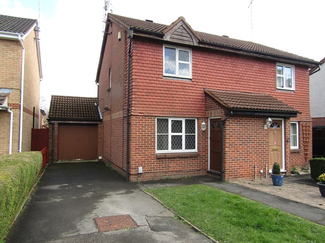Huscarle Way, Tilehurst, Reading