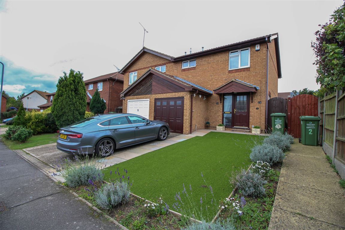 Taverners Green Close, Wick Meadows
