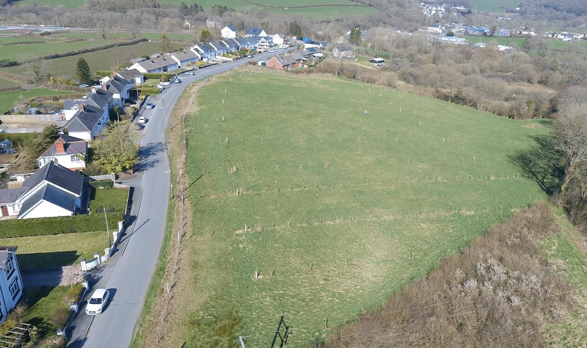 Heol Y Dderwen, Pontwelli, Llandysul