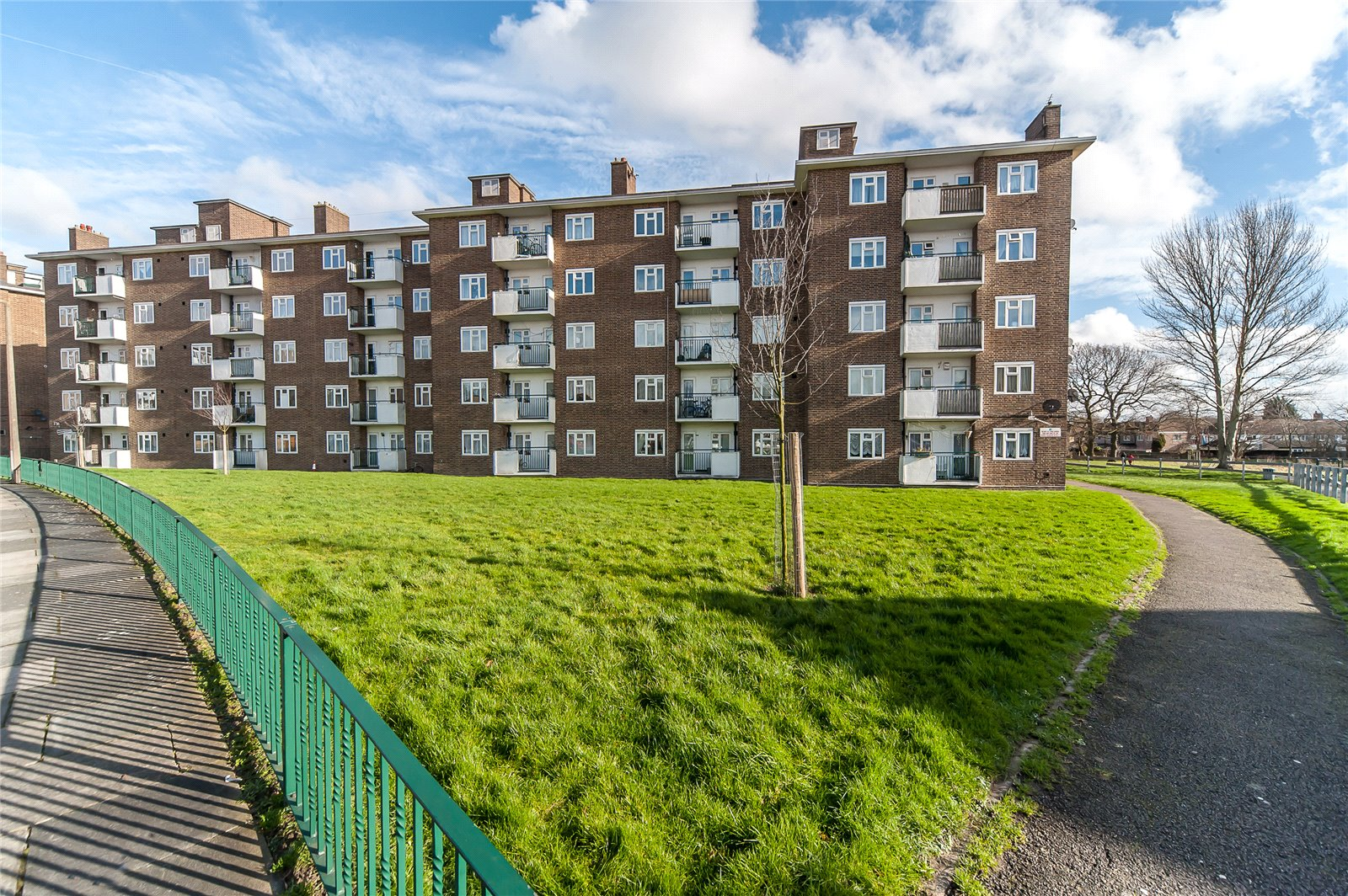 Linsted Court, Restons Crescent, London, SE9