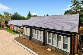 Kiftsgate, Overford Farm, Wytham Village