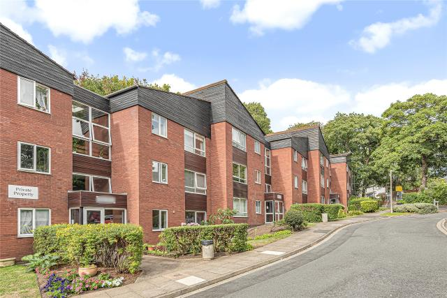 Kenilworth Court, Kenilworth Close, Worcester, WR3