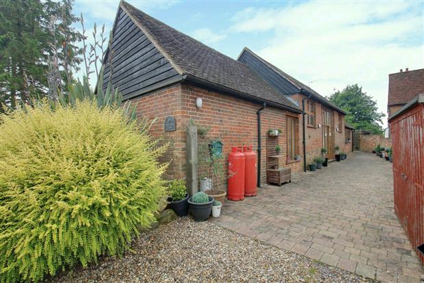 Fir Tree Barn, Moor Green, Ardeley, SG2