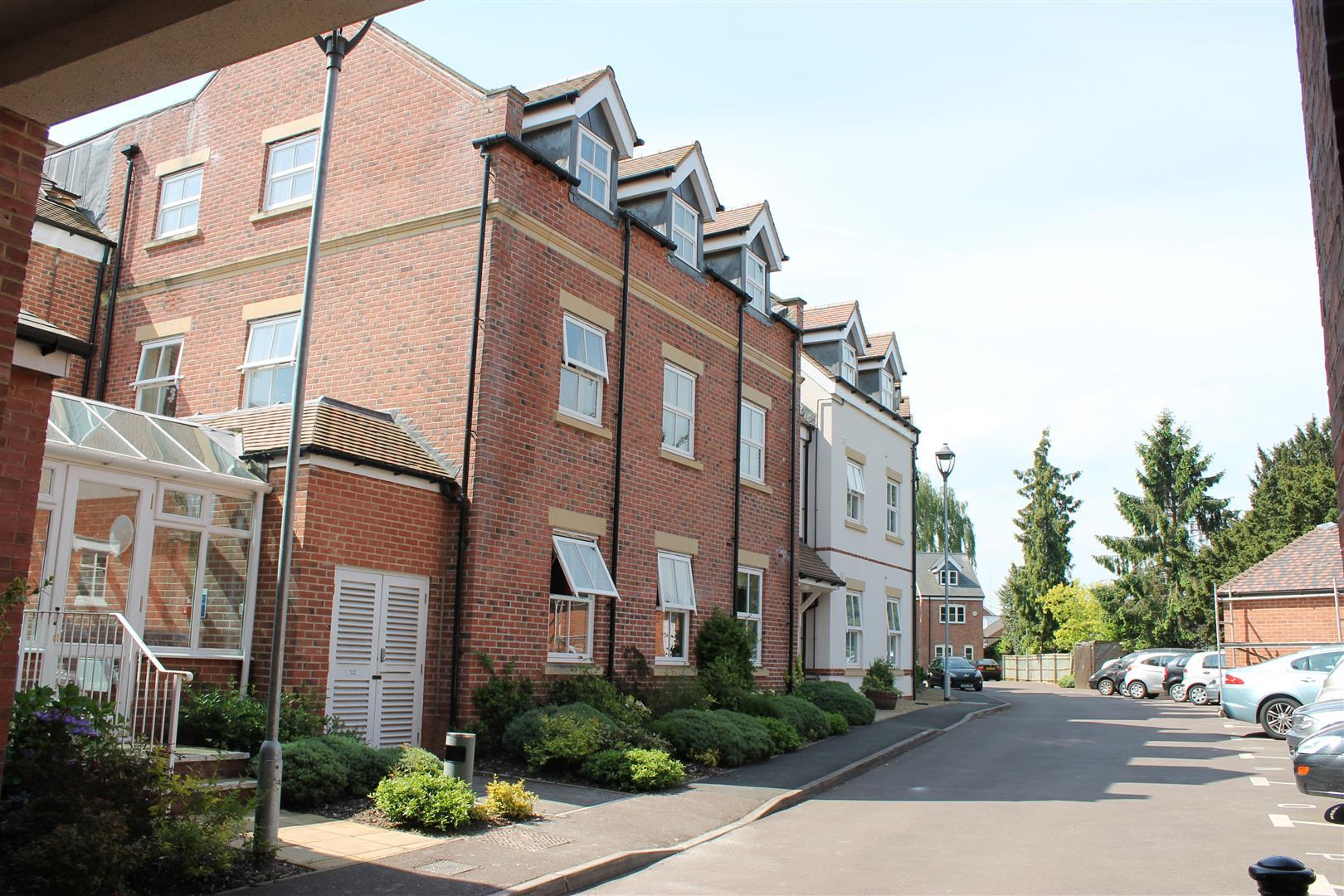 Stokes Mews Newent