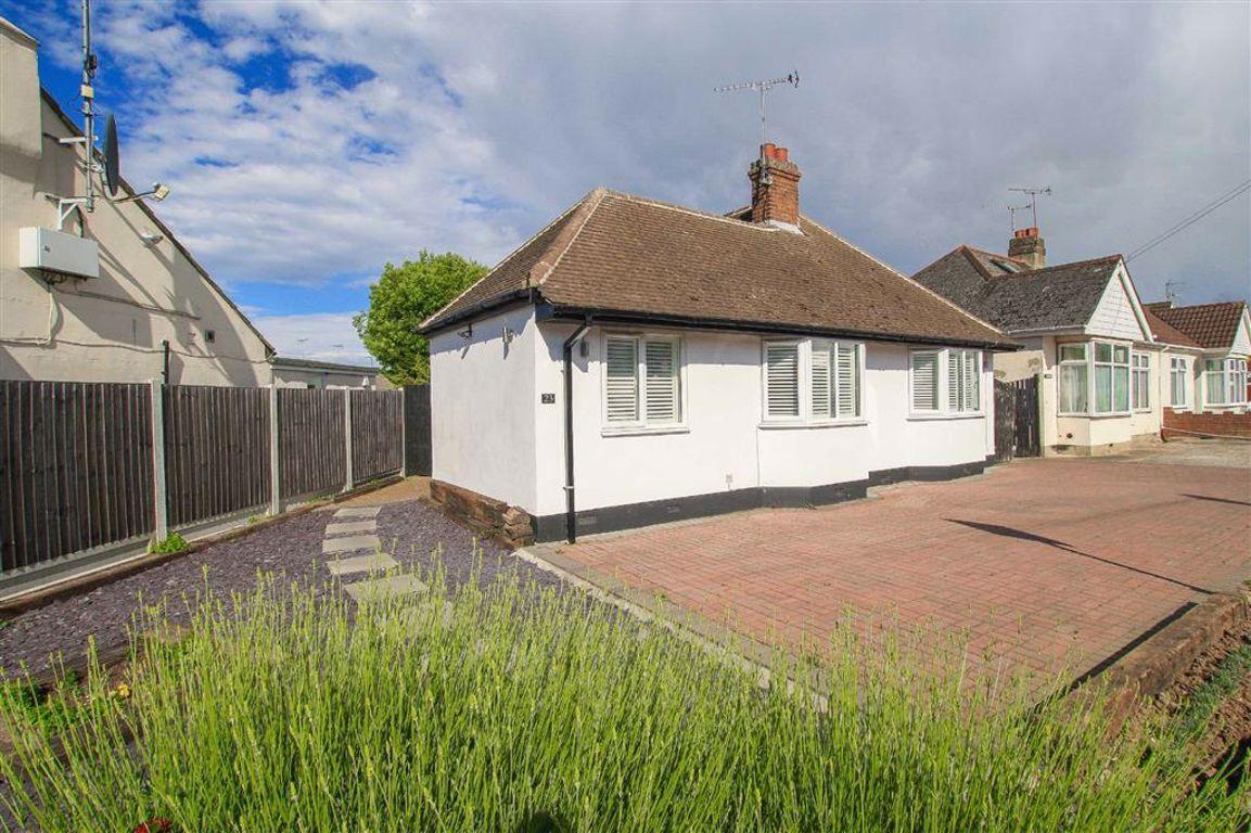 Bellhouse Crescent, Leigh-On-Sea, Essex